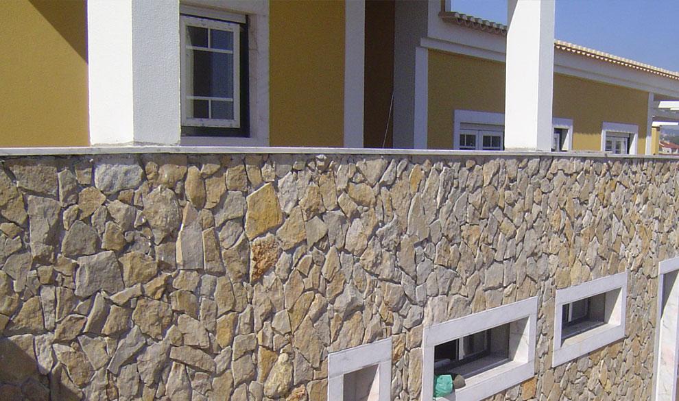 Decora o de paredes em pedra r stica trabalhos em pedra - Revestir paredes exteriores ...